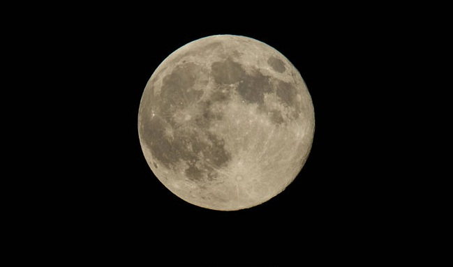 First ever 'Supermoon' of year 2018 will appear after 150-years during eclipse
