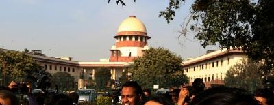 SC notice to Kerala CM in graft case (Lead)