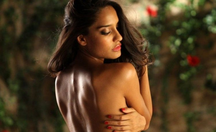 Tempting photo bollywood actor nude apologise