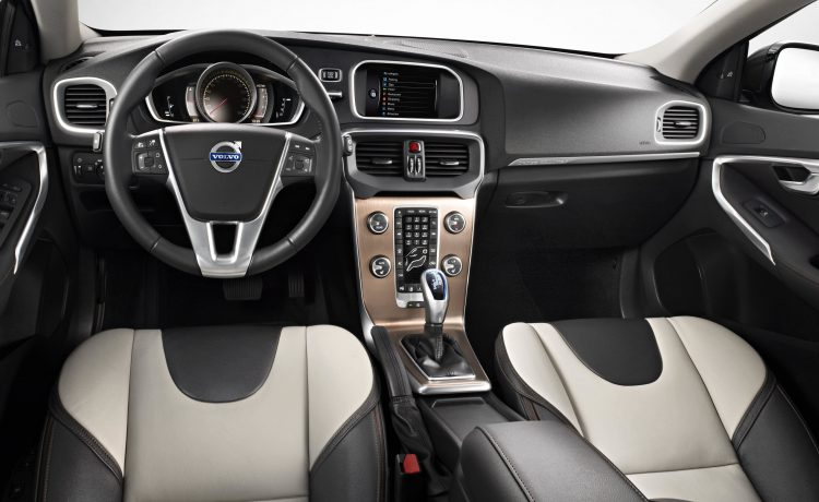 See Feature Price Of Volvo Recently Launched Xc40 Car Along With