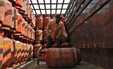 LPG cooking gas, Gas cylinder, LPG cylinder, Cooking gas cylinder, Non-subsidised, New Delhi, Business news