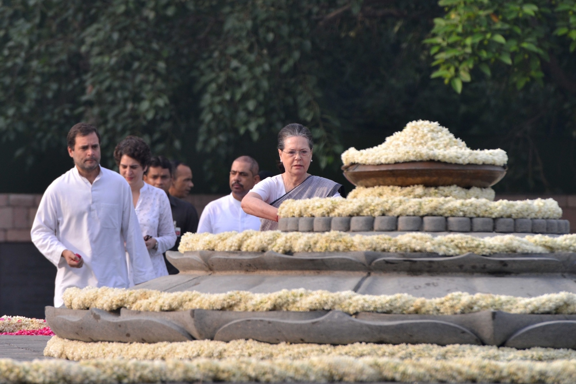 Rajiv Gandhi, Rahul Gandhi, Sonia Gandhi, UPA chairperson, Congress party, Birth anniversary, Former Prime Minister, Priyanka Gandhi Vadra, Robert Vadra, National news