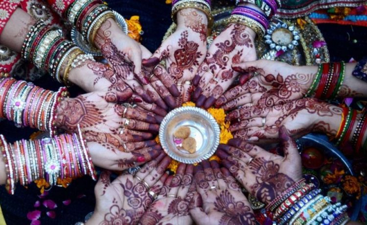 Happy Karwa Chauth 2018: See when will the moon rise in different