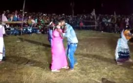 Kissing, Lip locking competition, Kissing competition, Smooching, Kissing contest, Photos of Kissing competition, Video of Kissing competition, Siddo-Kanhu fair, Jharkhand, Regional news