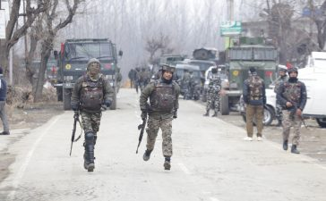 Pakistani, JeM terrorist, Indian Army, Pakistani plotter, CRPF convoy, CRPF soldiers, CRPF jawans, CRPF troopers, Suicide bombing, Jammu and Kashmir, Pulwama, National news