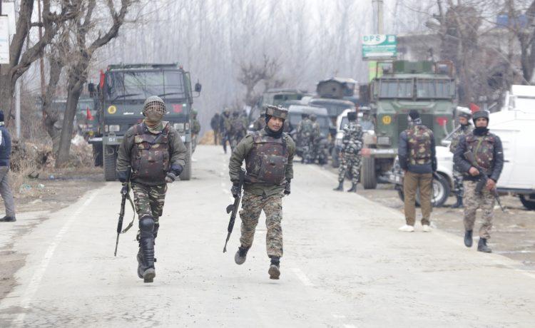 Pakistani, JeM terrorist, Indian Army, Pakistani plotter, CRPF convoy, CRPF soldiers, CRPF jawans, CRPF troopers, Suicide bombing, Jammu and Kashmir, Pulwama, National news