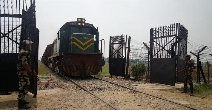 Pakistan suspends train service Samjhauta Express between