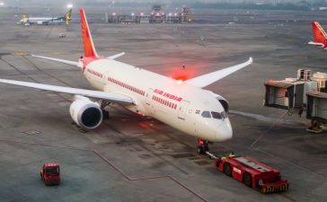 Air India, Jet Airways, Summer Holidays, Delhi-Dubai, Mumbai-Dubai, Delhi-Mumbai, India Dubai, Domestic flights, International flights, India cities, Business news
